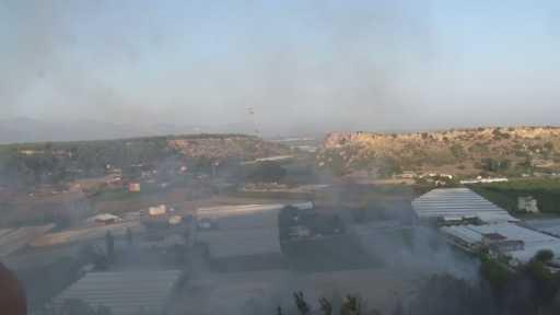 Antalya'da çalılık alanda yangın çıktı