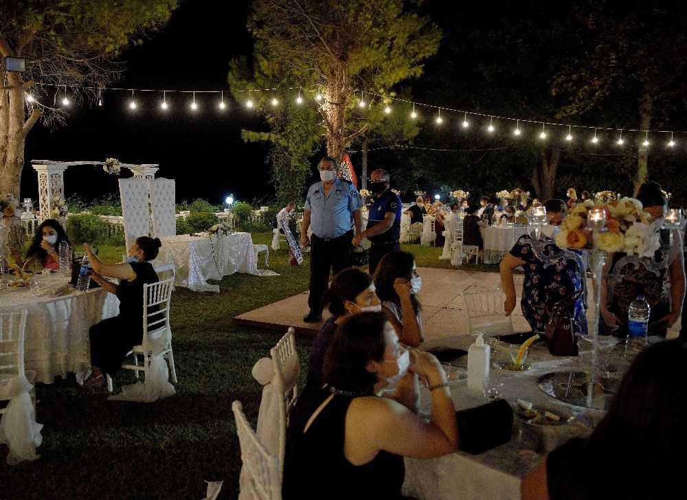 Antalya'da düğünler için 'İzin' şartı