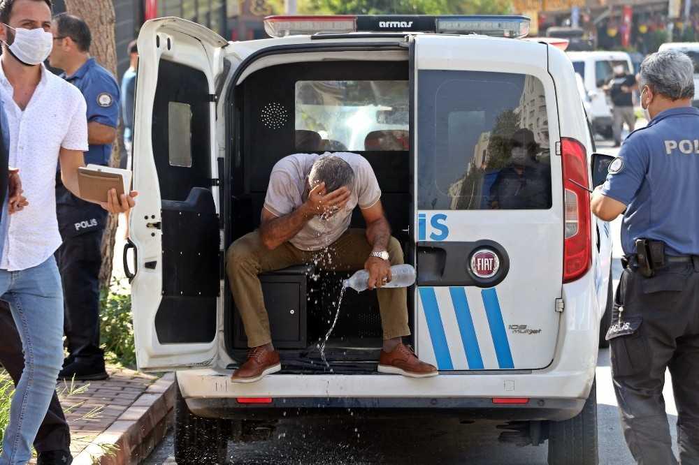 Antalya'da iki grup arasında silahlı-bıçaklı kavga: 2 yaralı, 4 gözaltı