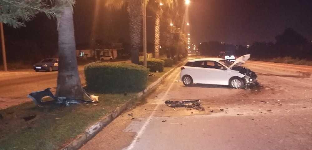 Antalya'da trafik kazaları: 2'si ağır 5 yaralı