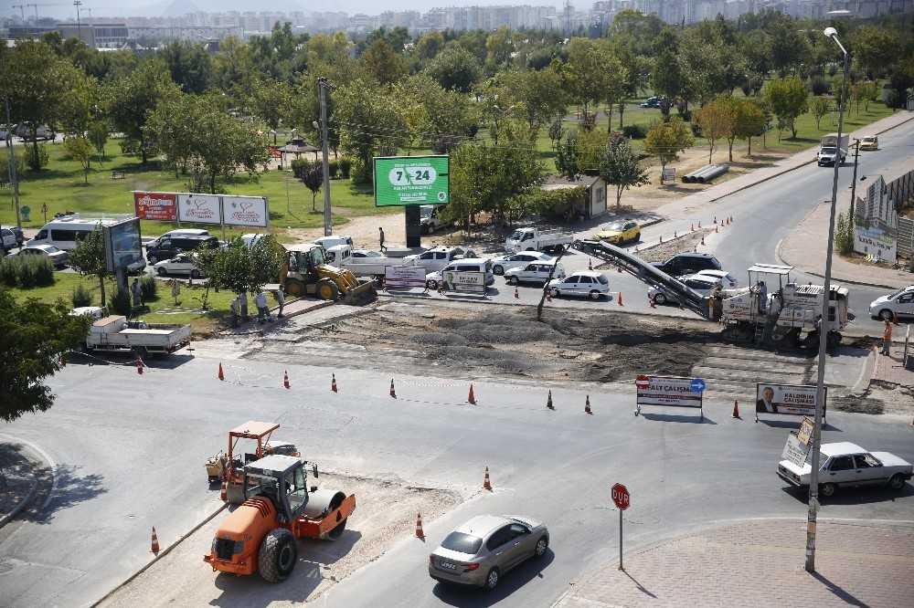 Büyükşehirden Kepez'de kavşak düzenlemesi