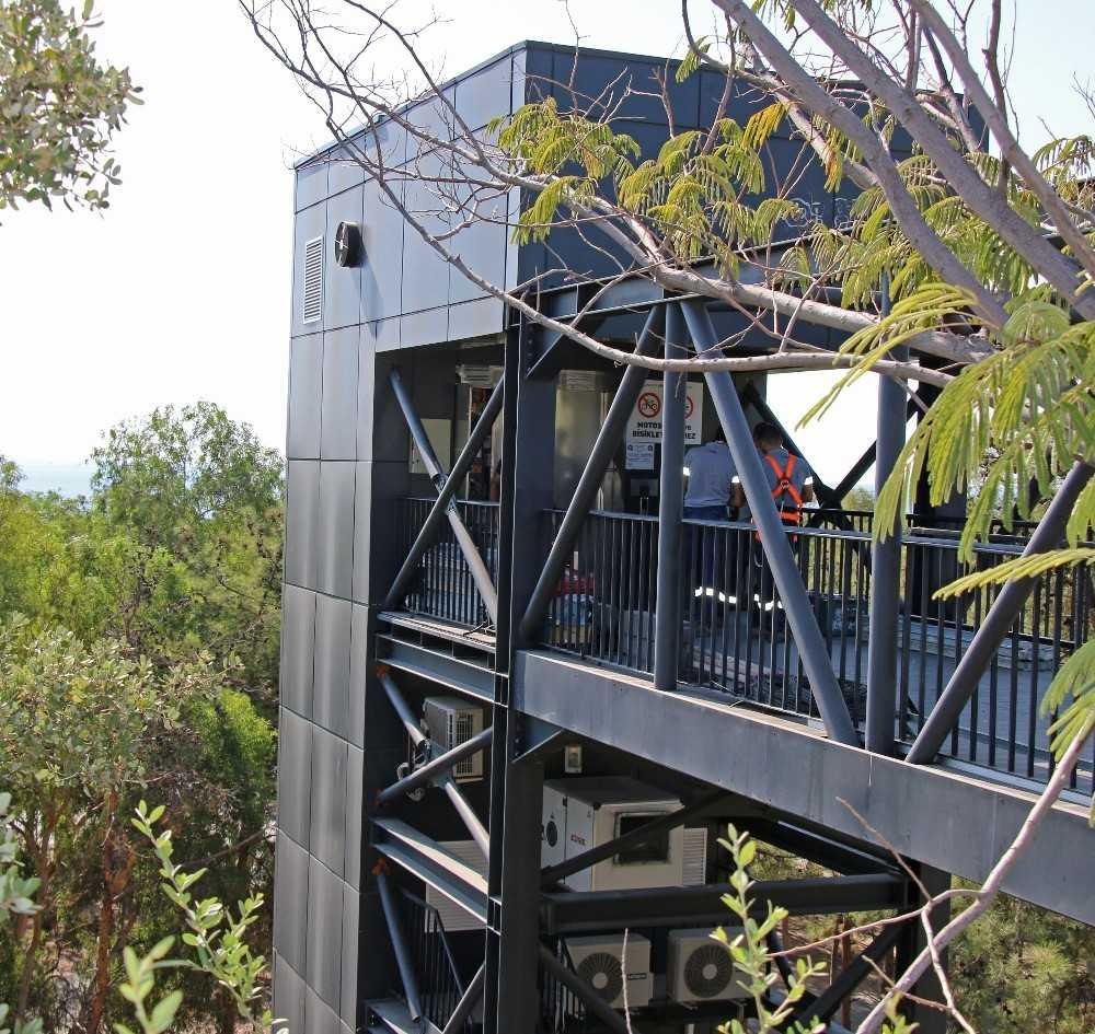 Büyükşehir'den panoramik asansörlere kapsamlı bakım