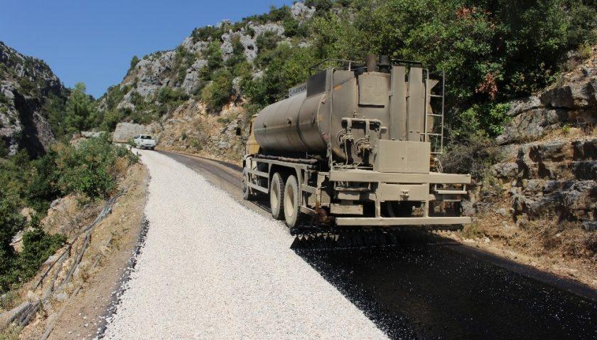 Manavgat Ahmetler yolu 24 yıl sonra asfaltladı