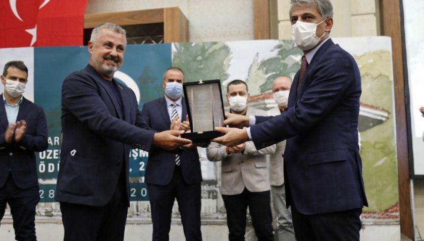 Manavgat Belediye Başkanı Sözen'e ödül