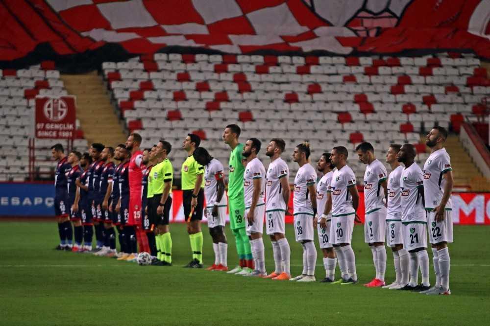 Süper Lig: Antalyaspor: 0 – Denizlispor: 0 (Maç devam ediyor)