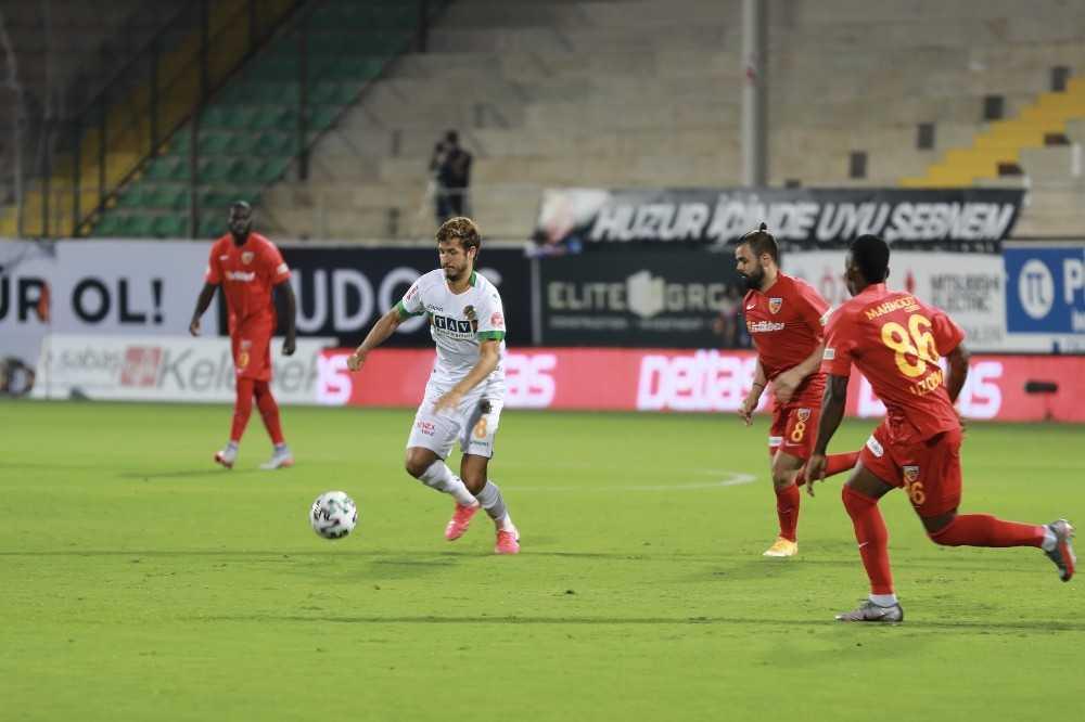 Süper Lig: Aytemiz Alanyaspor: 1 – Hes Kablo Kayserispor: 0 (İlk yarı)