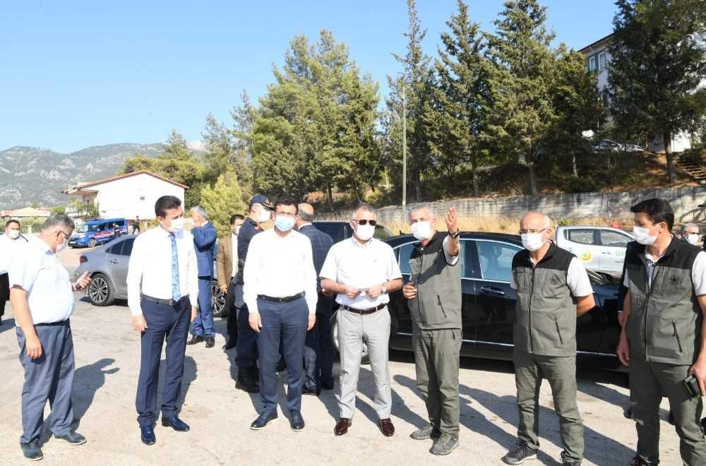 Vali Yazıcı, Adrasan'da yanan ormanlık alanı inceledi