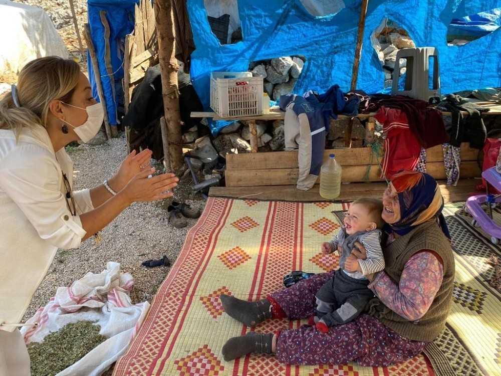 AK partili Vural'dan TBMM yolunda Yörük Çadırı ziyareti