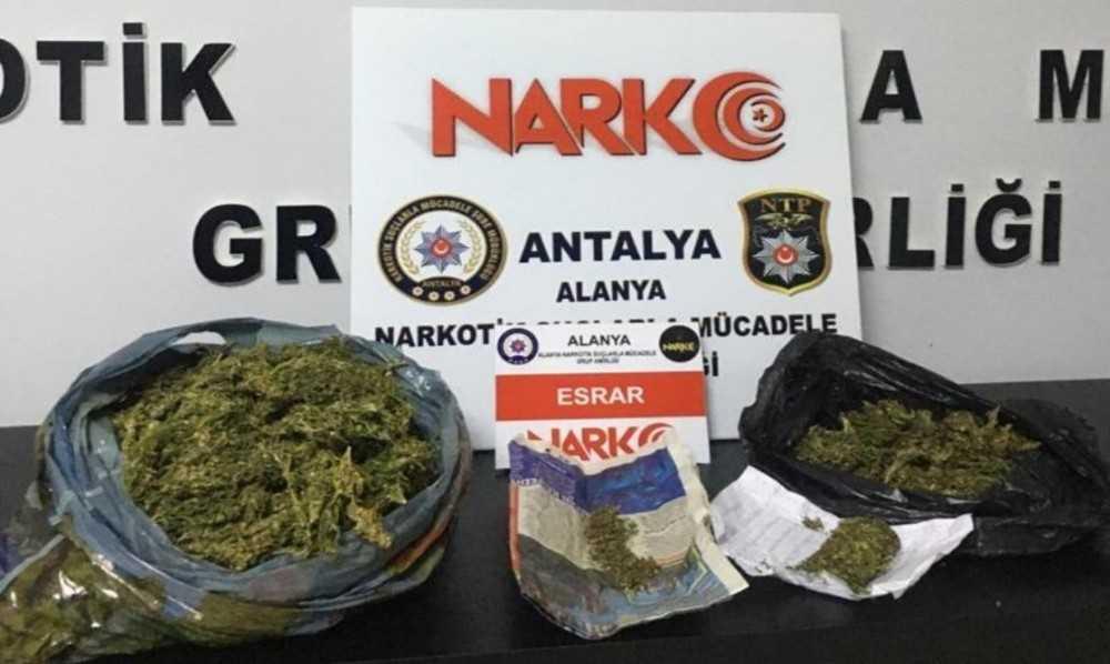 Alanya'da 2 ayrı uyuşturucu operasyonda 2 tutuklama