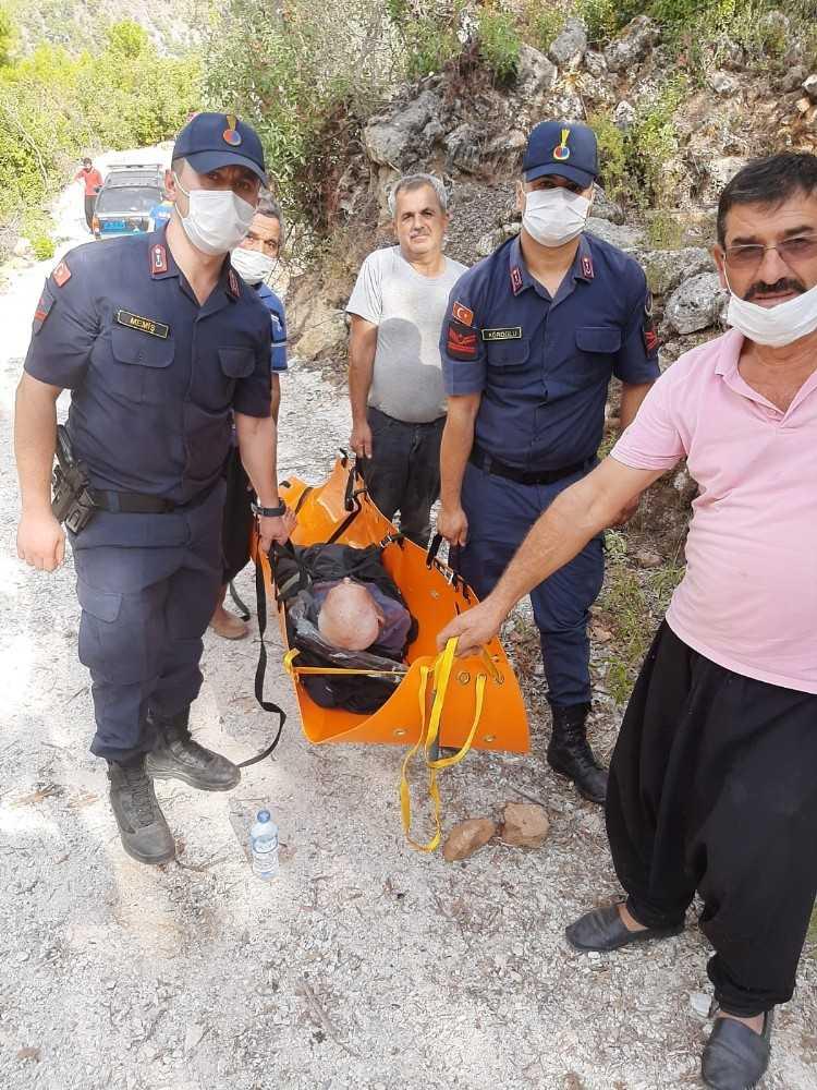 Alanya'da kayıp yaşlı adamı jandarma buldu