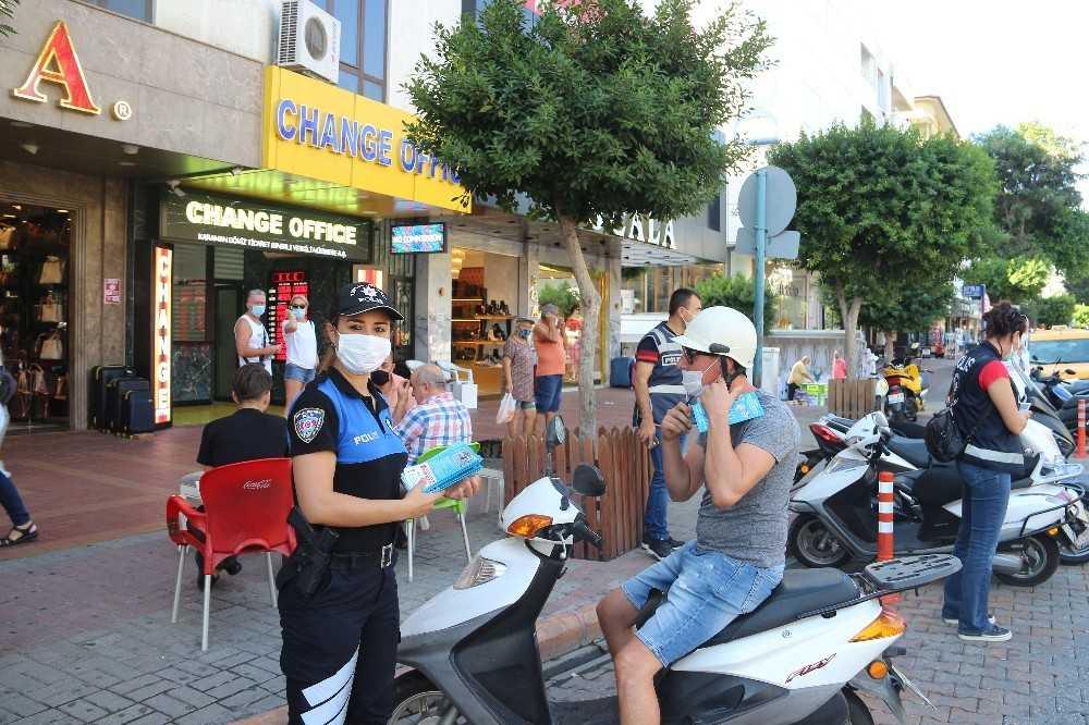 Alanya'da motosiklet sürücülerine yönelik denetim