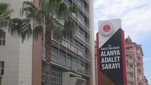 Alanya'da uyuşturucu tacirleri polisten kaçamadı