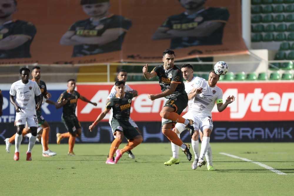 Alanyaspor, milli araya Süper Lig lideri olarak girdi