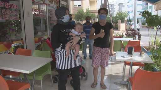 Antalya'da annenin terk ettiği bebek babasına teslim edildi