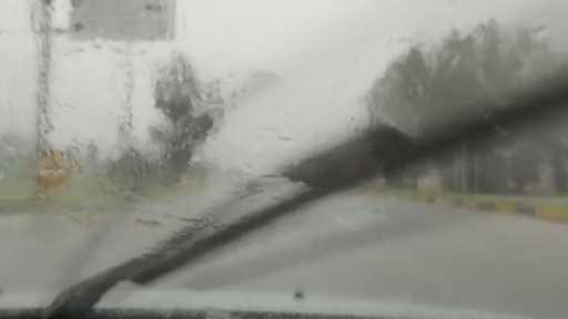 Antalya'da kısa süreli dolu yağışı hayatı olumsuz etkiledi