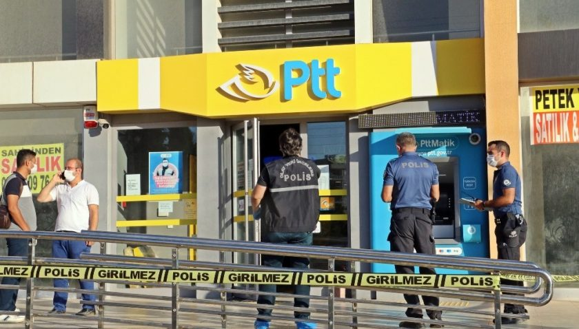 Antalya'da PTT gaspçısı yakalandı