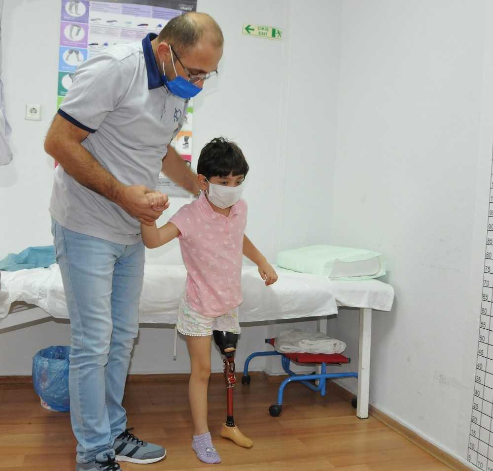 Bacağı kesilen Özge'ye silikonlu protez için 30 bin TL gerekiyor