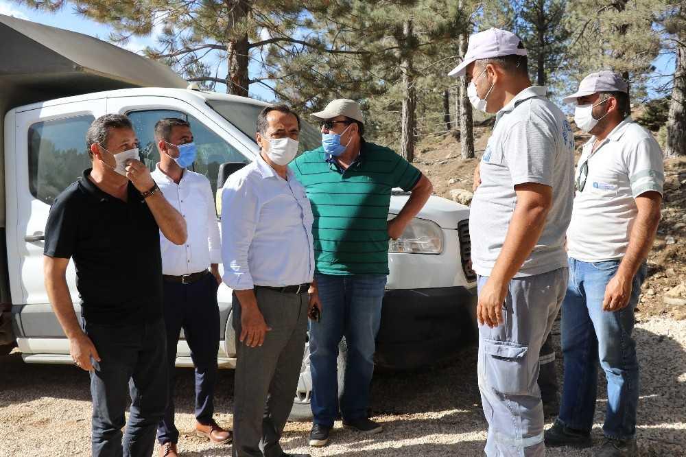 Büyükşehirden Gazipaşa'nın yaylalarında yol çalışması