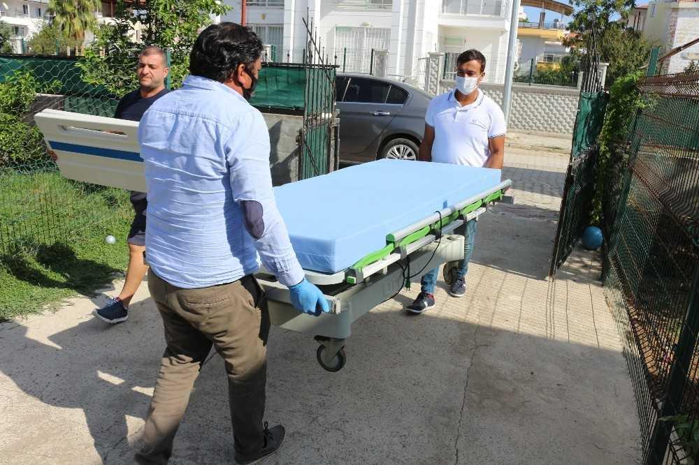 Büyükşehirden hasta yatağı ve tekerlekli sandalye yardımı