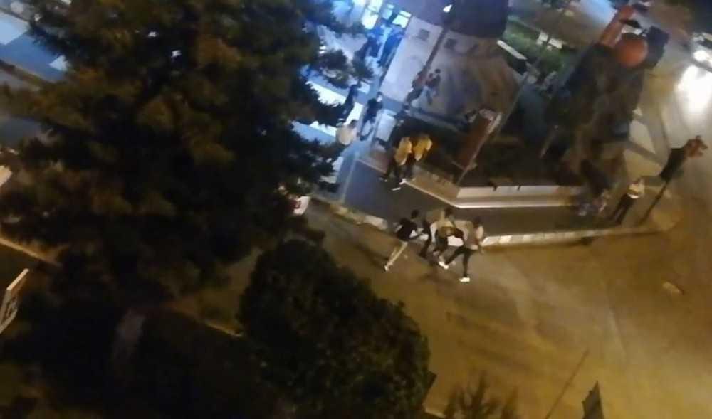 Cadde ortasında kick boks müsabakasını aratmayan kavga