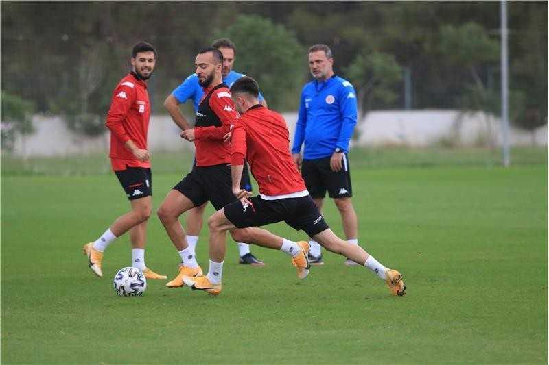 FT Antalyaspor ile Medipol Başakşehir 30. randevuda