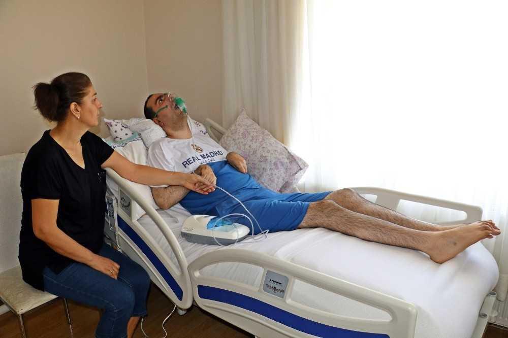 Haluk Levent 17 yıldır ölümcül hastalıkla savaşan Burak'ın sesini duydu
