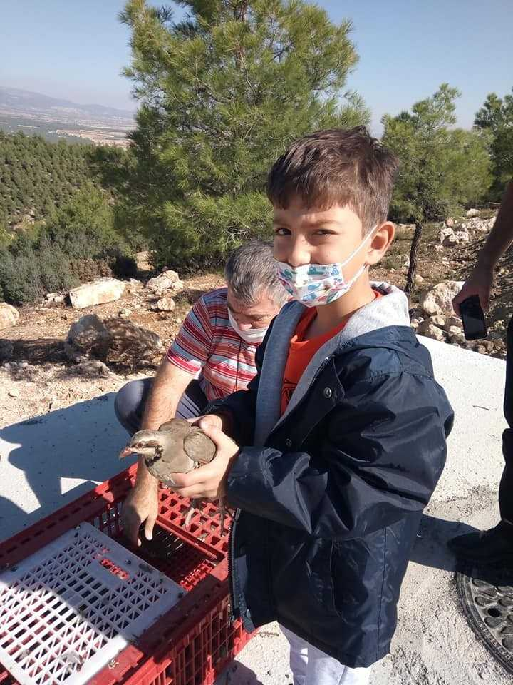 Korkuteli'nde 200 keklik doğaya bırakıldı
