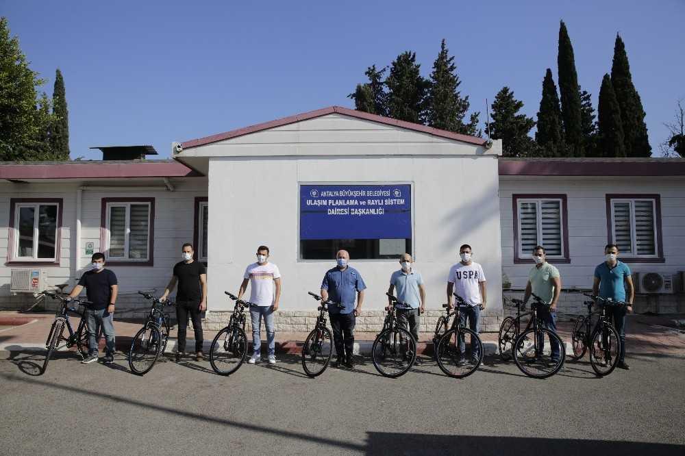 Mühendisler ve şehir plancılarından oluşan bisiklet timi görevde