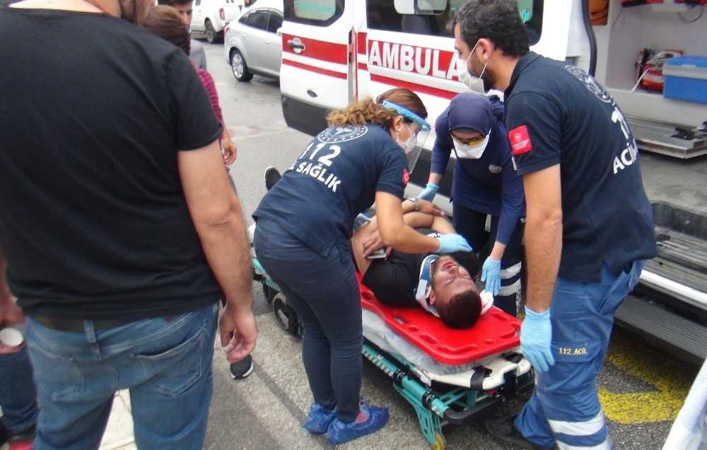 Otomobilin çarptığı motosiklet sürücüsü hastanelik oldu