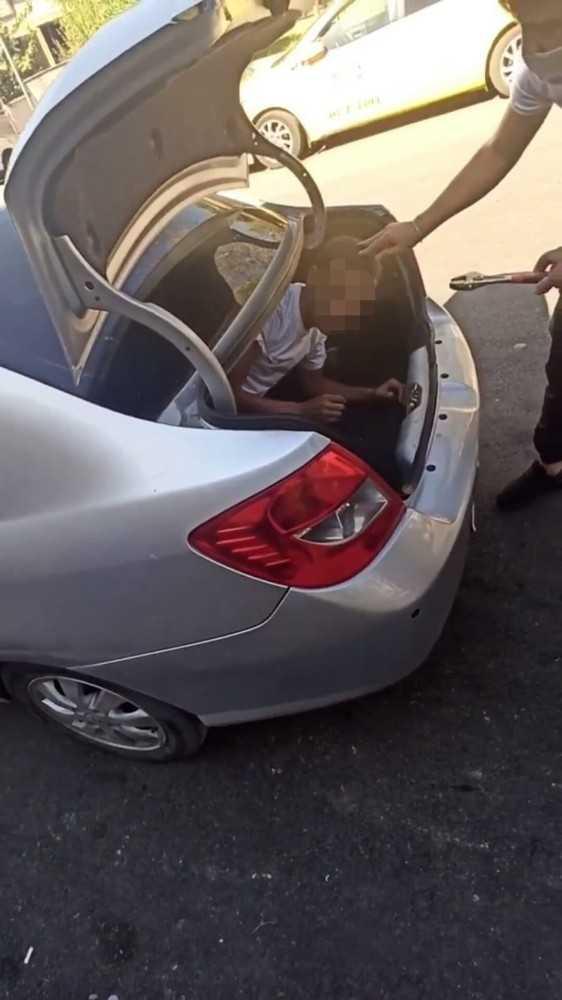 Sosyal medyaya düşen bagajdaki hırsız görüntüsü izlenme rekoru kırdı