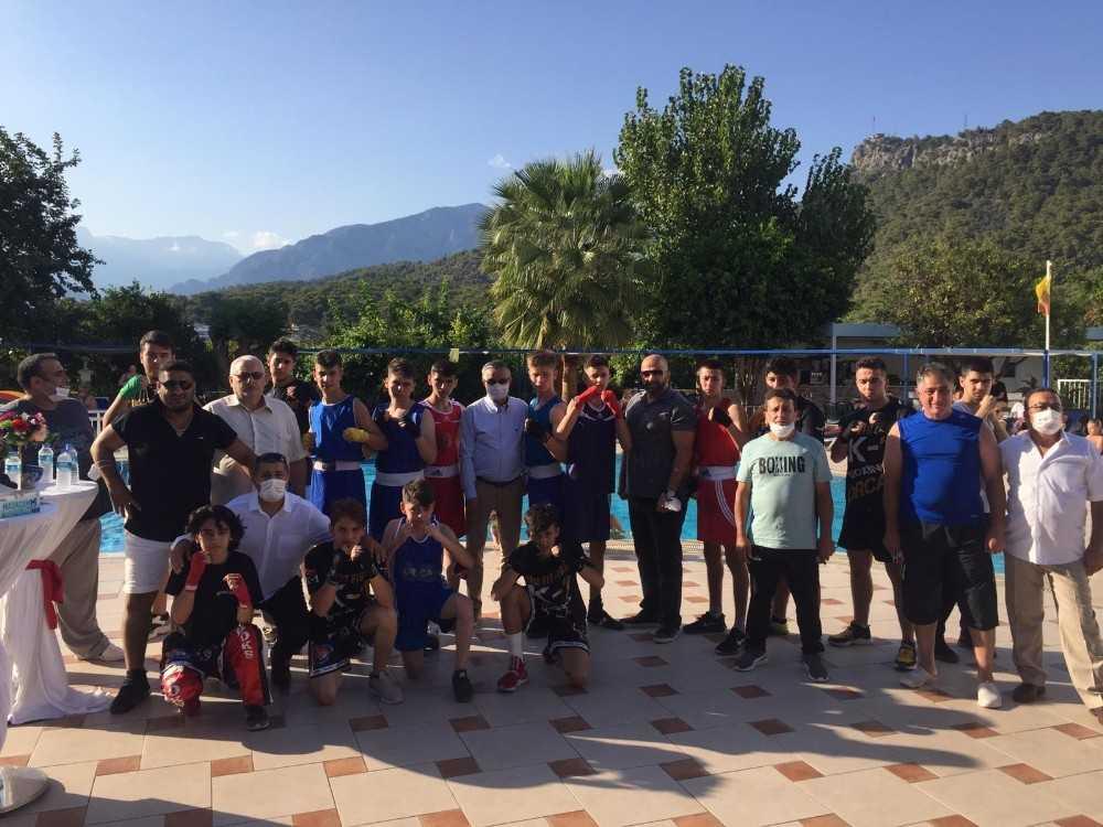 Yerli ve yabancı kulüpler Kemer'de kamp yapıyor