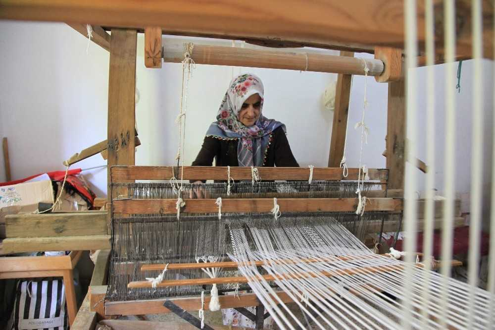 300 yıllık gelenek kadınlara iş kapısı oldu