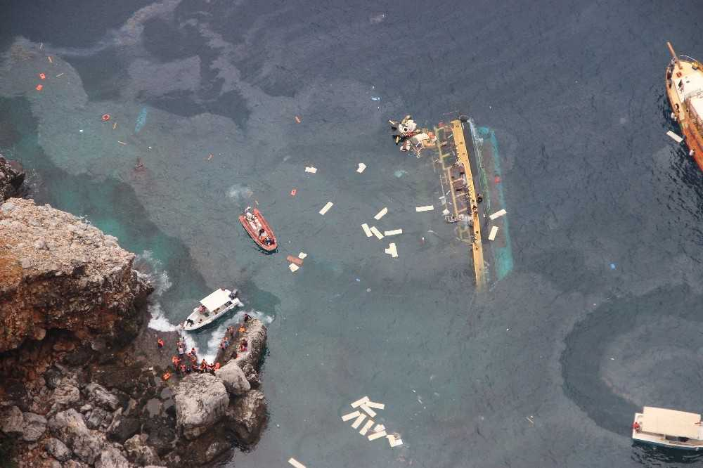 Alanya'da tur teknesi alabora oldu, 1 turist öldü
