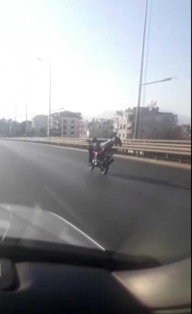 Antalya'da motosiklet sürücülerinin pes dedirten yolculukları