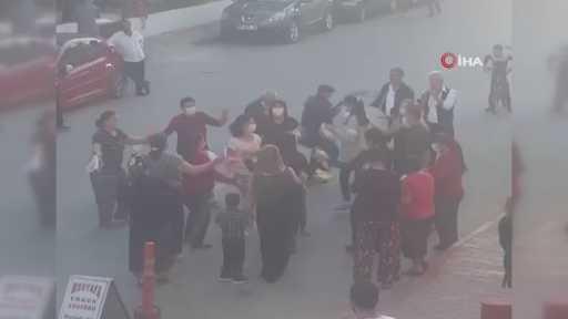 Antalya'da yasağa rağmen seyir terasında gençler, sokak düğününde davetliler coştu