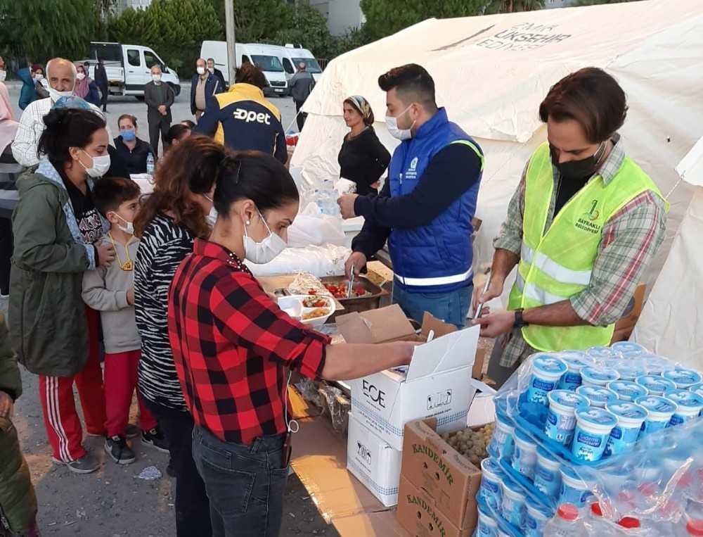 Antalya'nın Mobil Aşevi İzmir'de hizmete devam ediyor