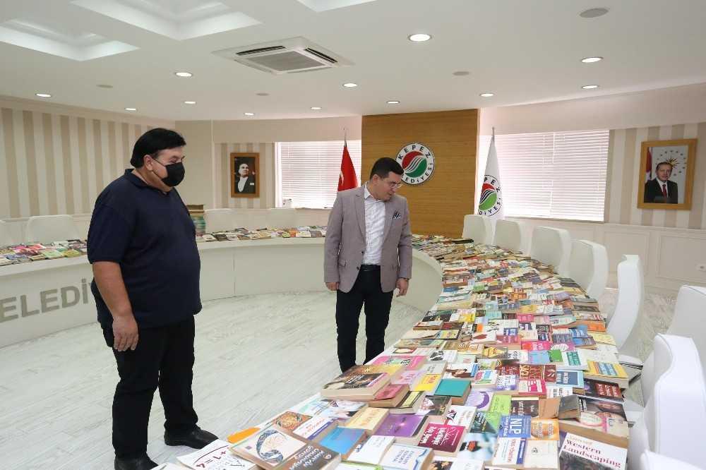 Cemil Meriç Kitaplığı'na 1400 kitap daha bağışlandı