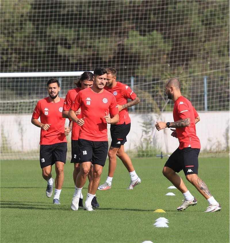FT Antalyaspor ile Fenerbahçe 56. kez karşı karşıya