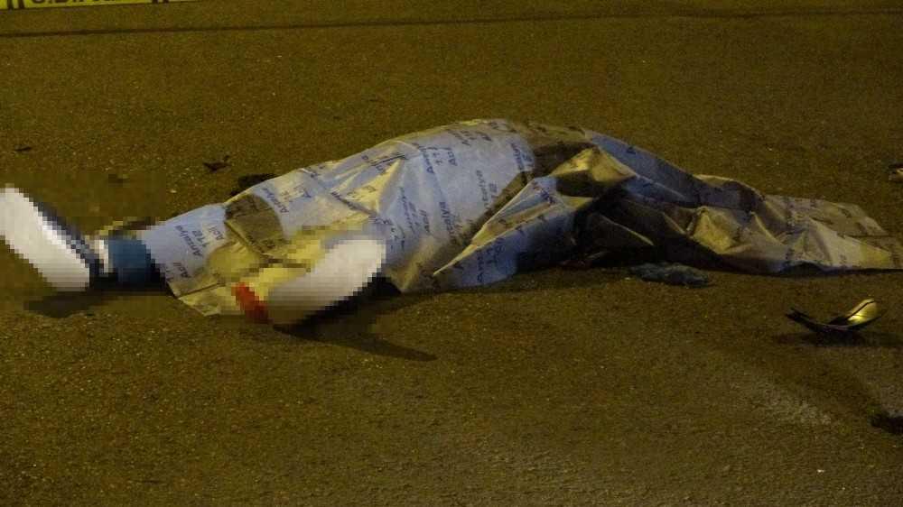 Minibüsün çarptığı motosikletli hayatını kaybetti