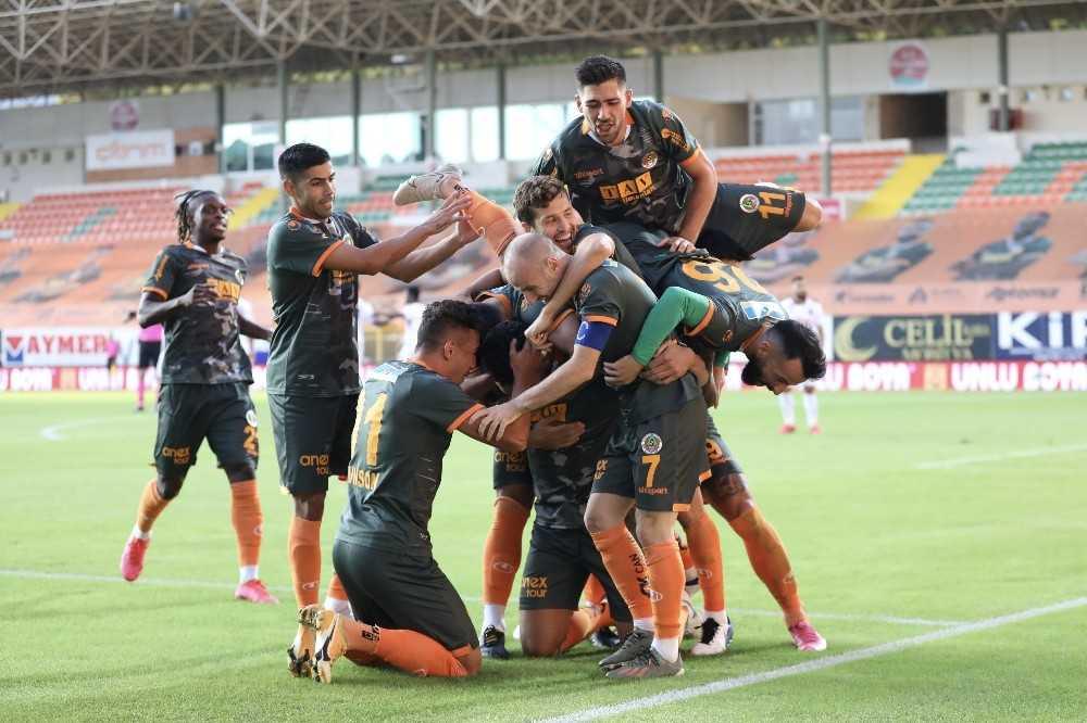 Süper Lig: Aytemiz Alanyaspor: 1 – Trabzonspor: 1 (Maç sonucu)