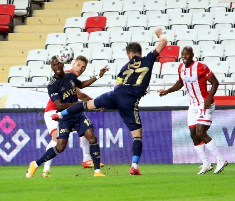 Süper Lig: FT Antalyaspor: 0 – Fenerbahçe: 0 (İlk yarı)