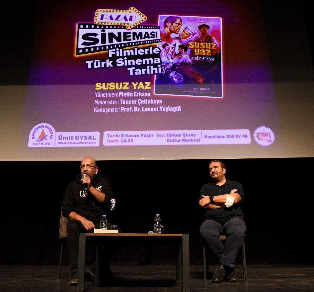 Türkan Şoray Kültür Merkezi'nde 'Pazar Sineması'na sinemaseverler ilgi gösterdi