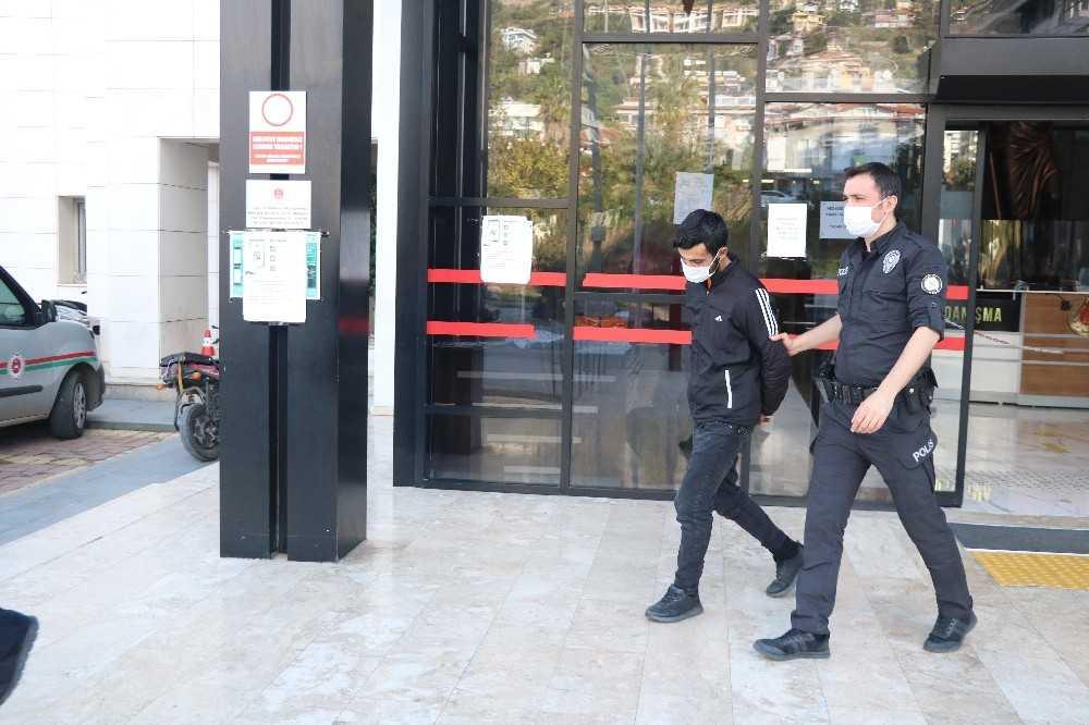 Alanya'da 3 motosiklet hırsızlığına karışan şüpheli yakalandı