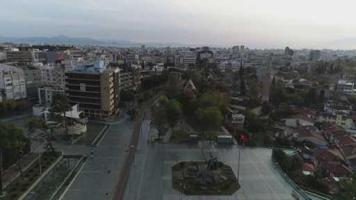 Antalya kısıtlamanın ilk gününde sessizliğe büründü