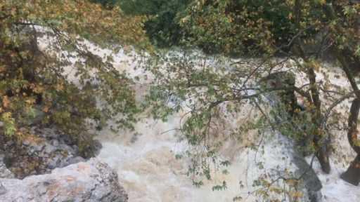 Antalya'da etkili olan yağış nedeniyle Dünyaca ünlü Altınbeşik Mağarası taştı