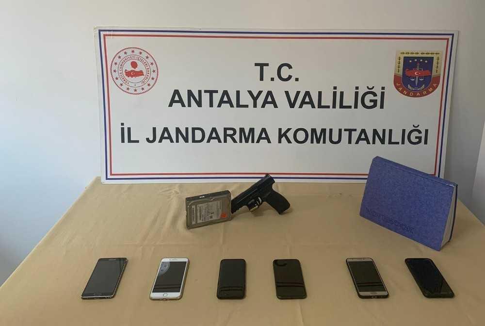 Antalya'da yasadışı bahse jandarma operasyonu: 6 gözaltı