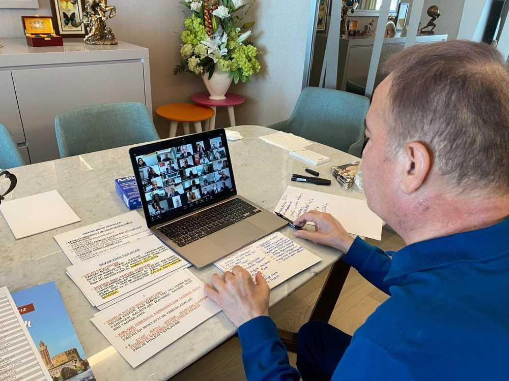 Başkan Böcek ,proje talimatlarını çevrimiçi verdi