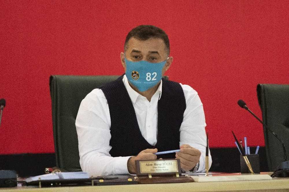 Başkandan 82 rakamlı '#keskealanyailolsa' heştekli maskeyle il olma masajı