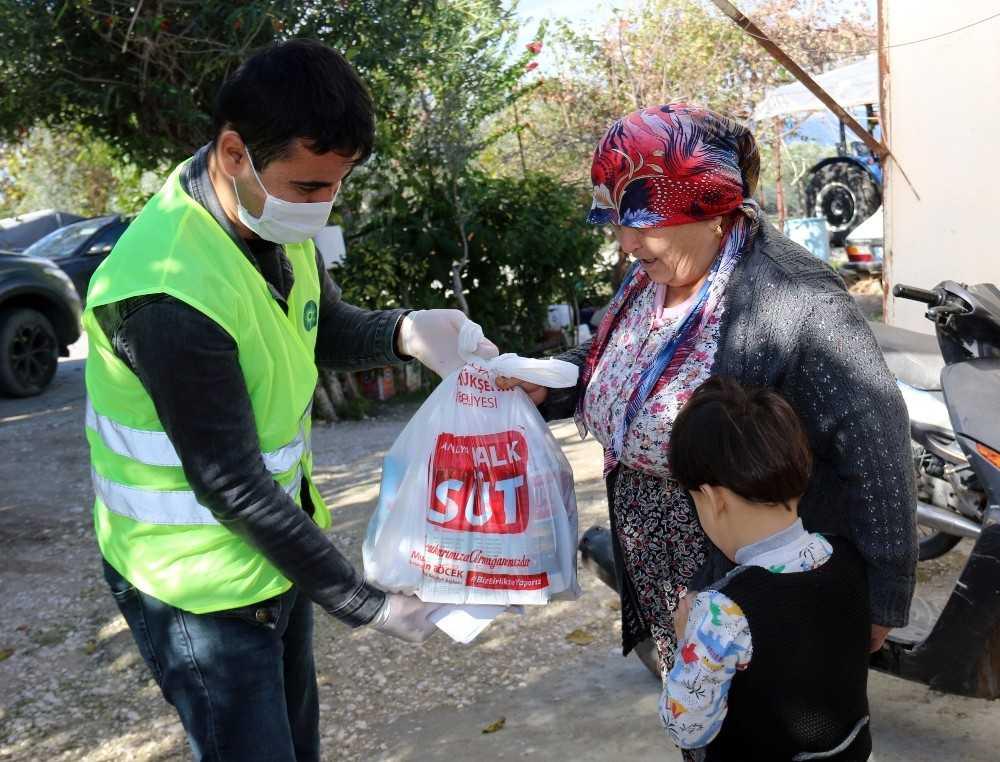 Büyükşehir'den çocuklara 224 bin litre süt