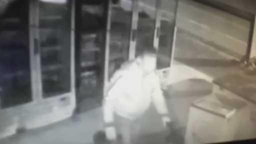 Enerji içeceğine dadanan hırsız market sahibini isyan ettirdi